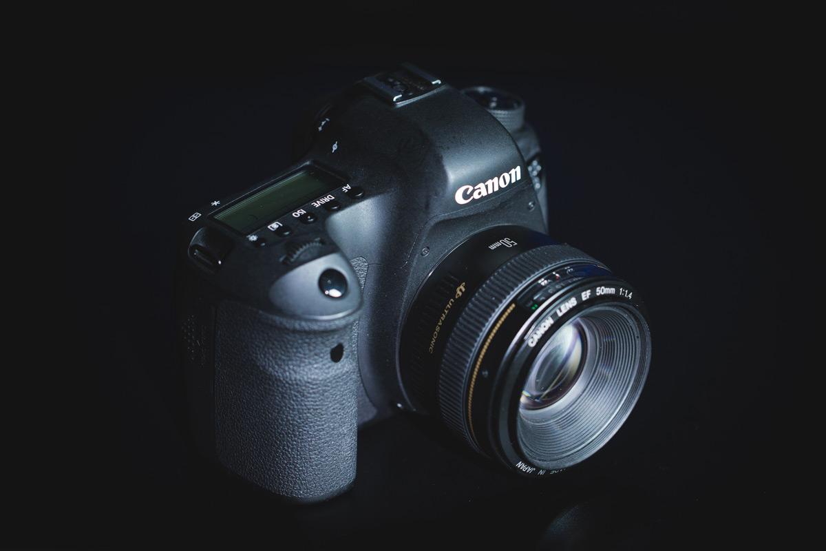 foto de uma câmera dslr