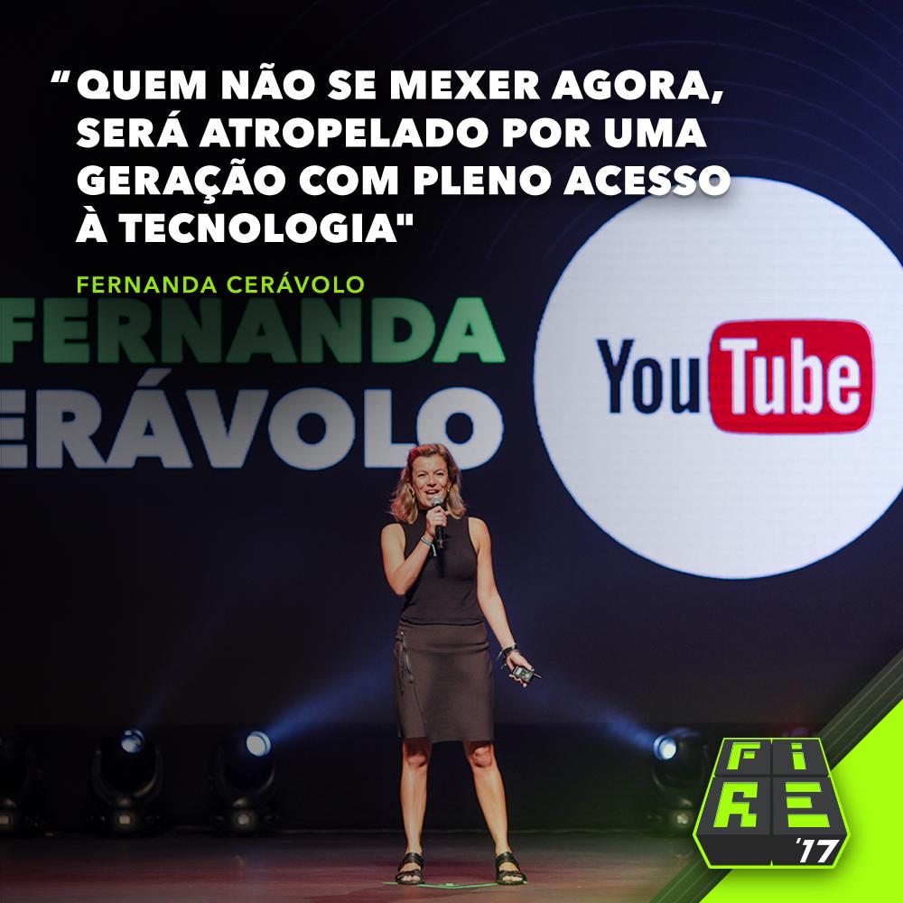 na imagem, a diretora do youtube brasil no palco do fire 2017