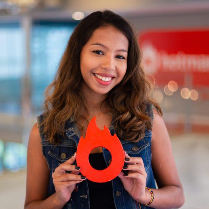 Nayara Souza: estagiária de Marketing na Hotmart no time de Audiência e Aquisição