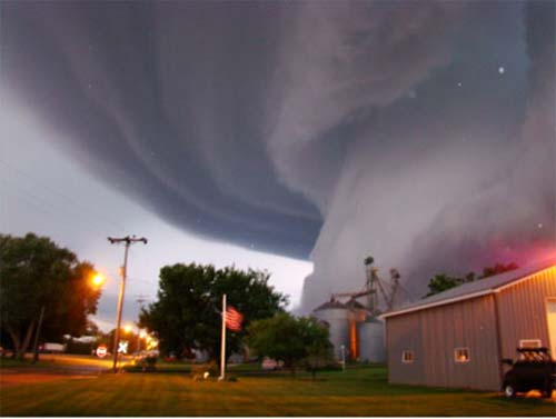 Science Project Idea: Amazing Natural Disasters :: Tornadoes