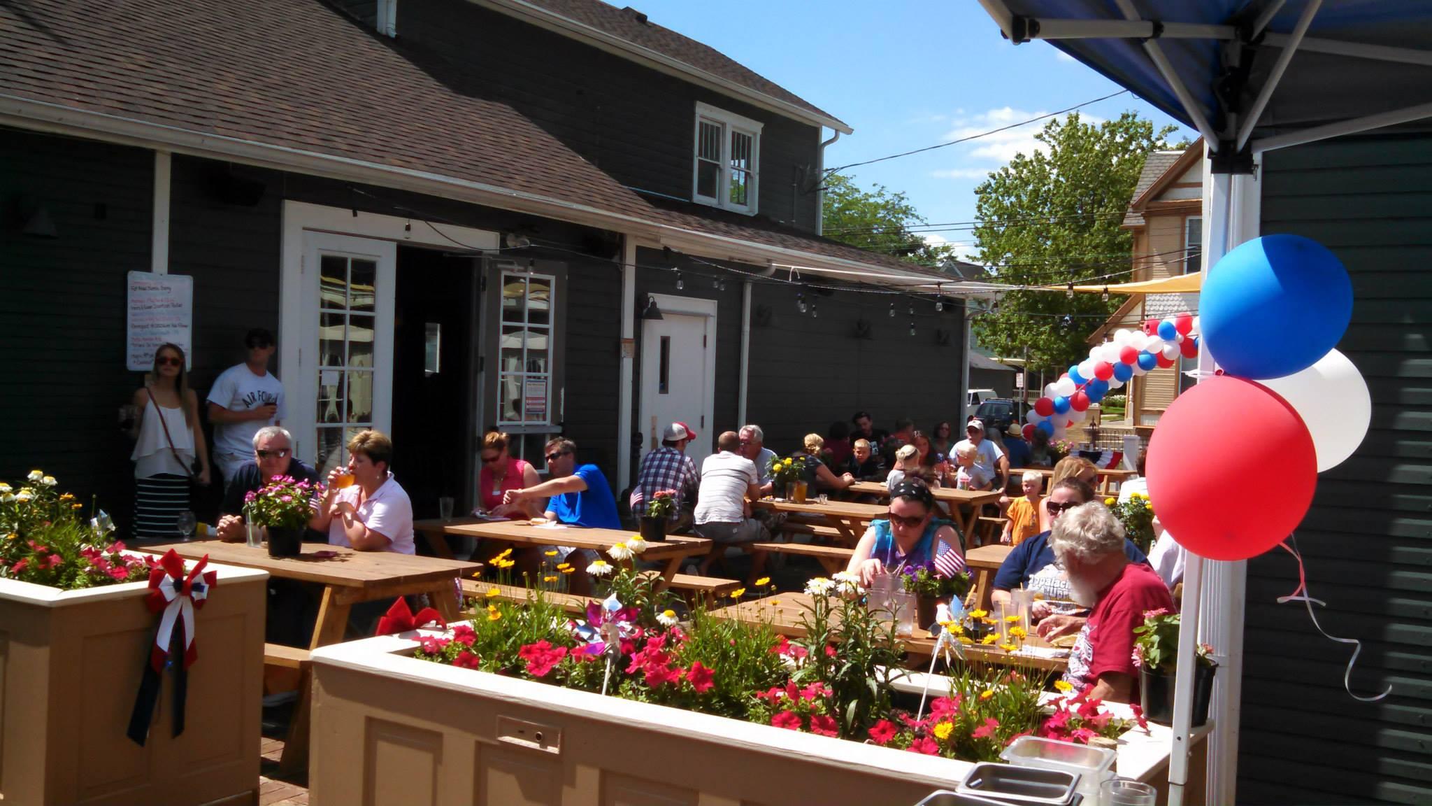 Best restaurant bar patios in Dayton