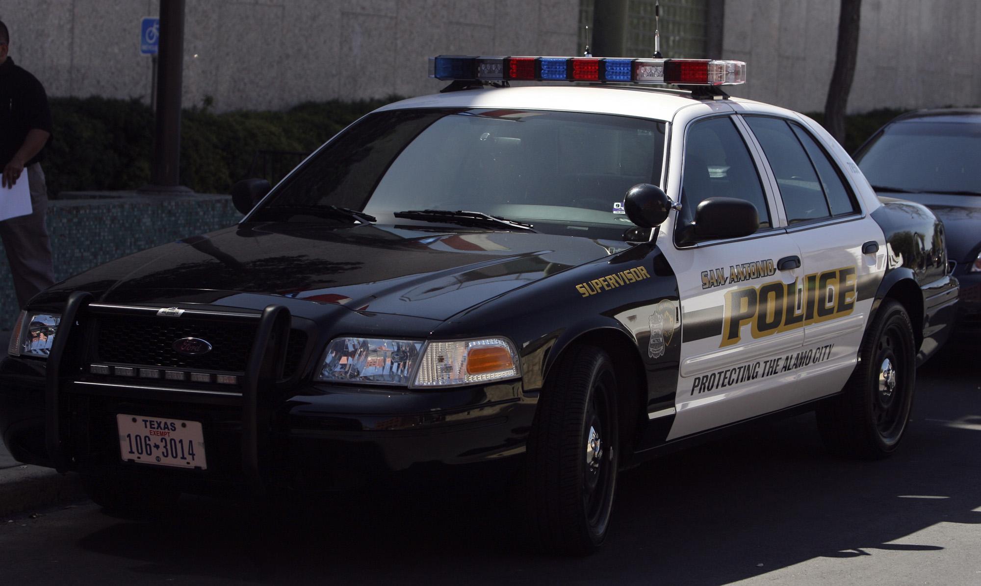 San Antonio police chief search on track despite candidate