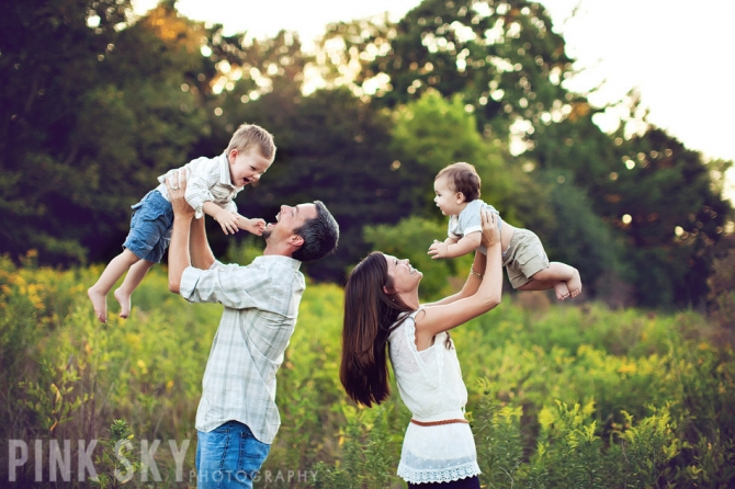 125 family sibling photos posing ideas inspiration harvard