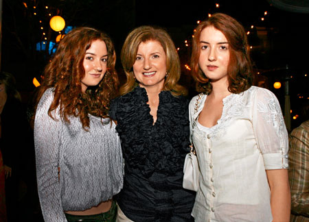 Arianna-Huffington-with-Daughters