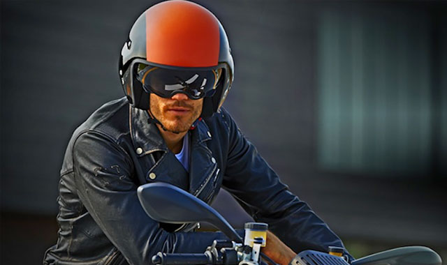 Hi-Jack-helmet-For-Aviation-Buffs-the-gadget-flow
