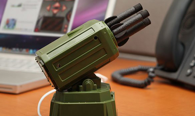 USB-Rocket-Launcher-TheGadgetFlow