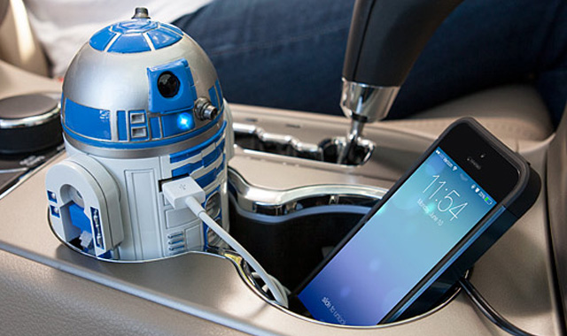 R2-D2-USB-Car-Charger-TheGadgetFlow