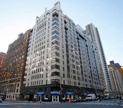 Plaza Square Apartments: The Ritz Plaza Times Square Apartments