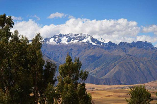 Teens capture the beauty of Peru in a scenic photo during their summer student travel tour.