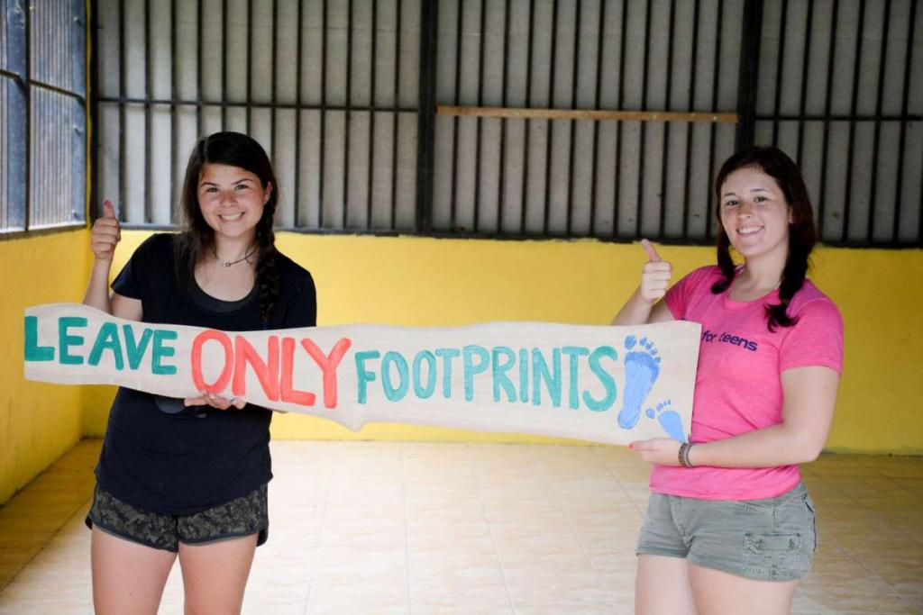 Students participate in community service projects on their teen tour of Costa Rica.