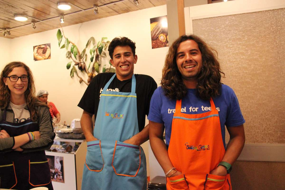 Teens lean how to cook local cuisine on their summer student tour of Ecuador and Peru.