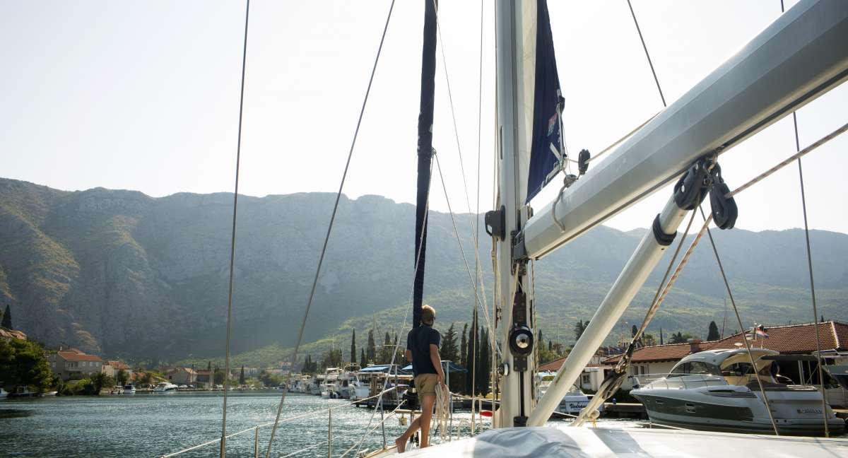 Teen sails through Croatia islands on summer youth travel program