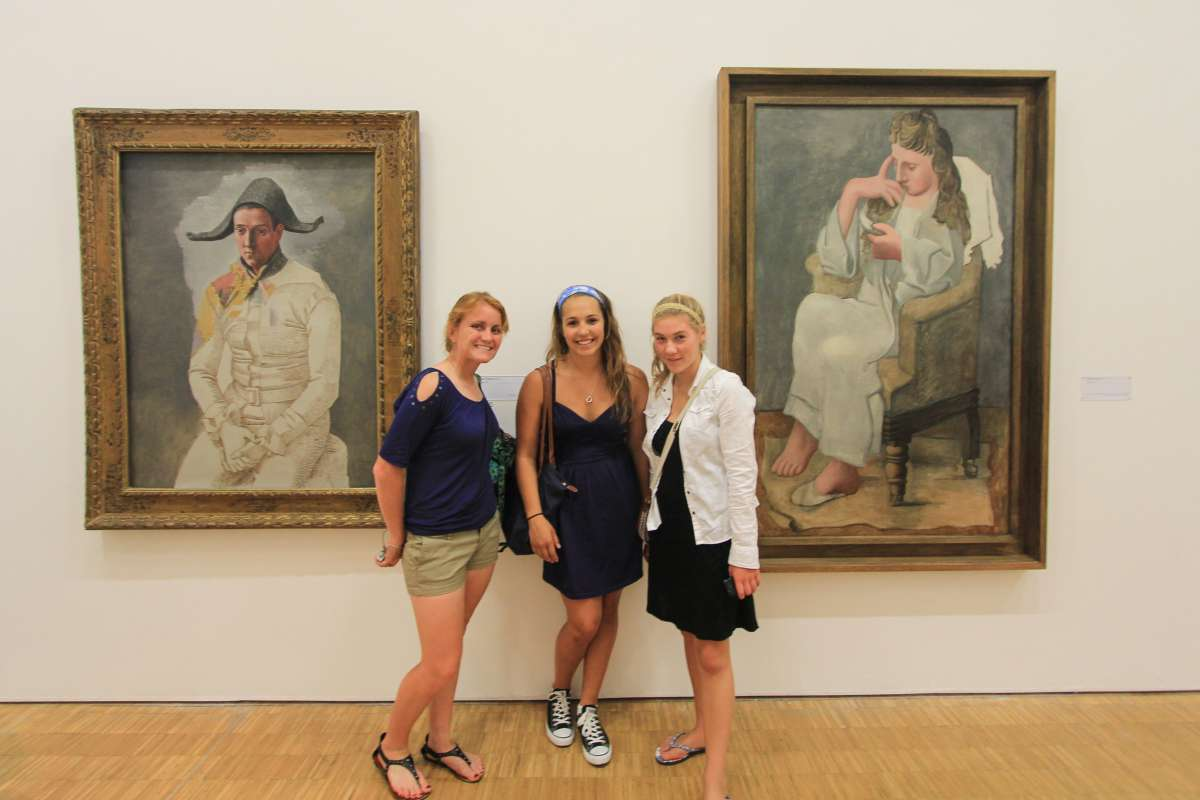 Teen travelers visit art museum in France on summer student travel program