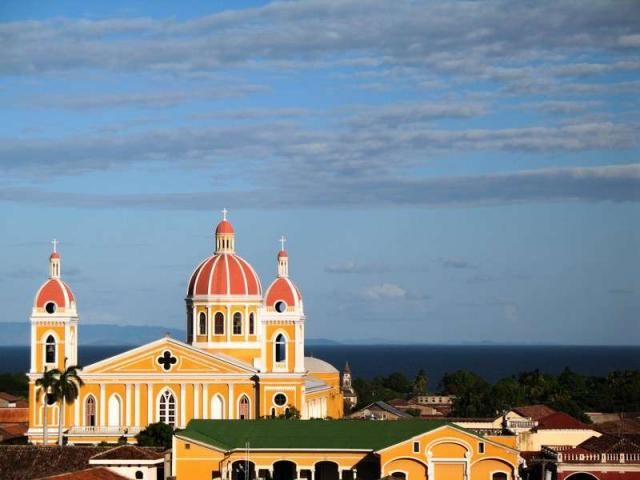 Teens discover traditional churches on their summer student tour of Costa Rica.
