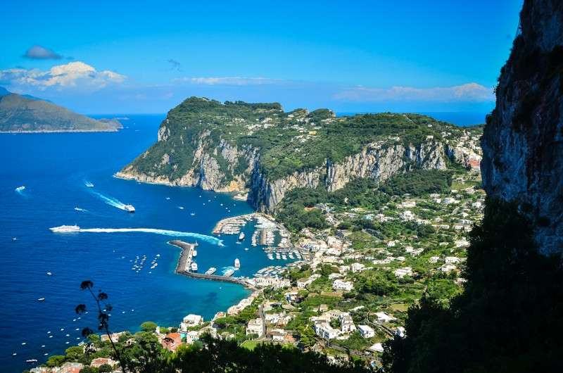 High school student captures the beauty of Capri on their summer teen tour to Italy.