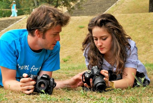 Travel For Teens counselor instructing teenage traveler on photography
