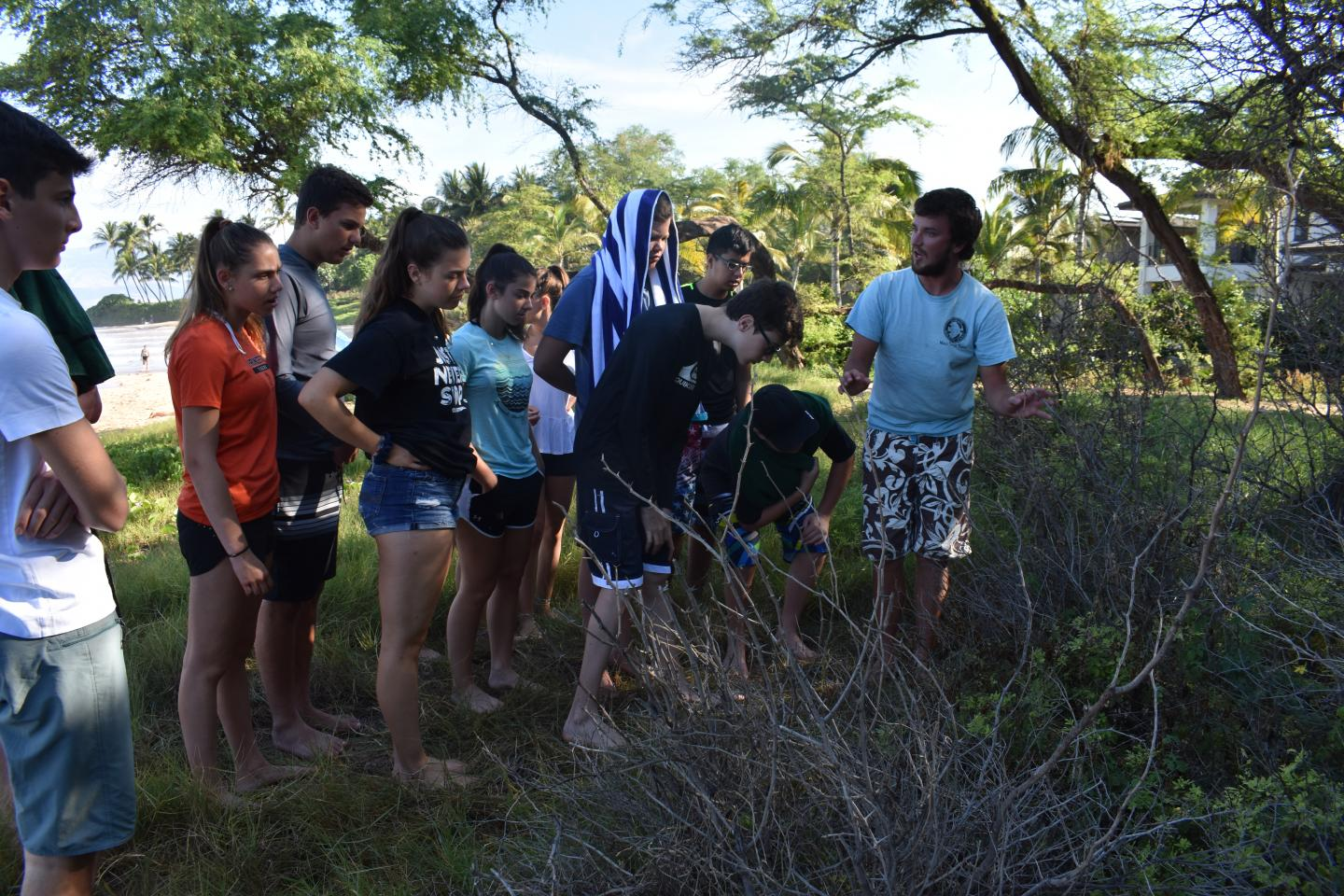 Group of students learn about the environment on their teen tour of Hawaii and Australia.