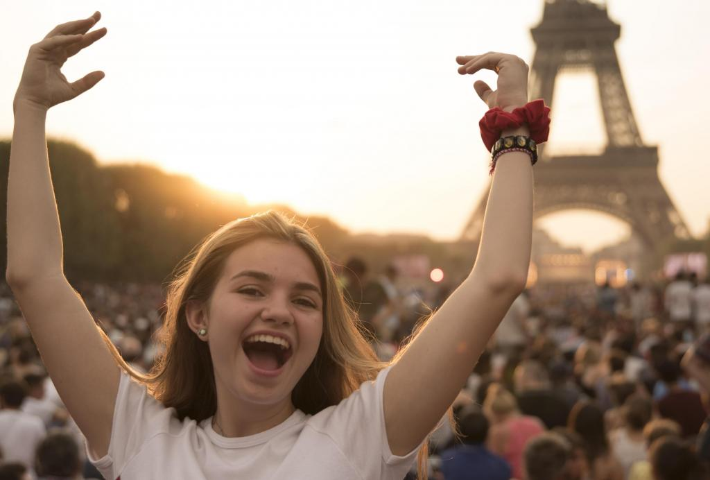 France Paris teen travel for high school student