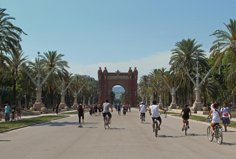 Bikes in Barcelona Collge Kids