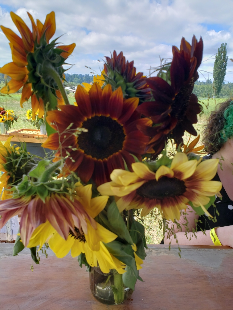Mason jar of sunflowers