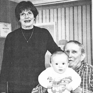 Square melinda  steve  and grandson  wyatt