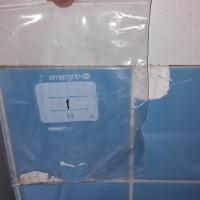 Insinööritoimisto K. Parila Oy - asbesti keittiön ja vessan laatoituksen saumauslaastissa asbestia.jpg
