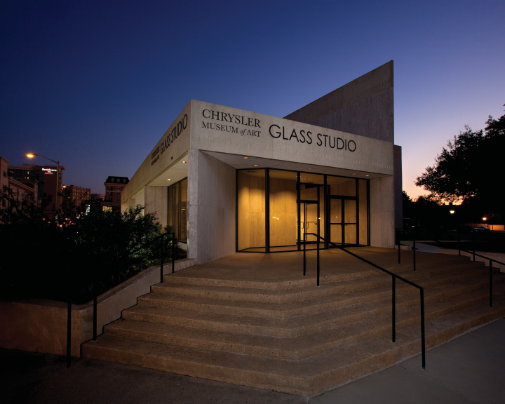 2011 Glass Studio Exterior 05 Cmyk