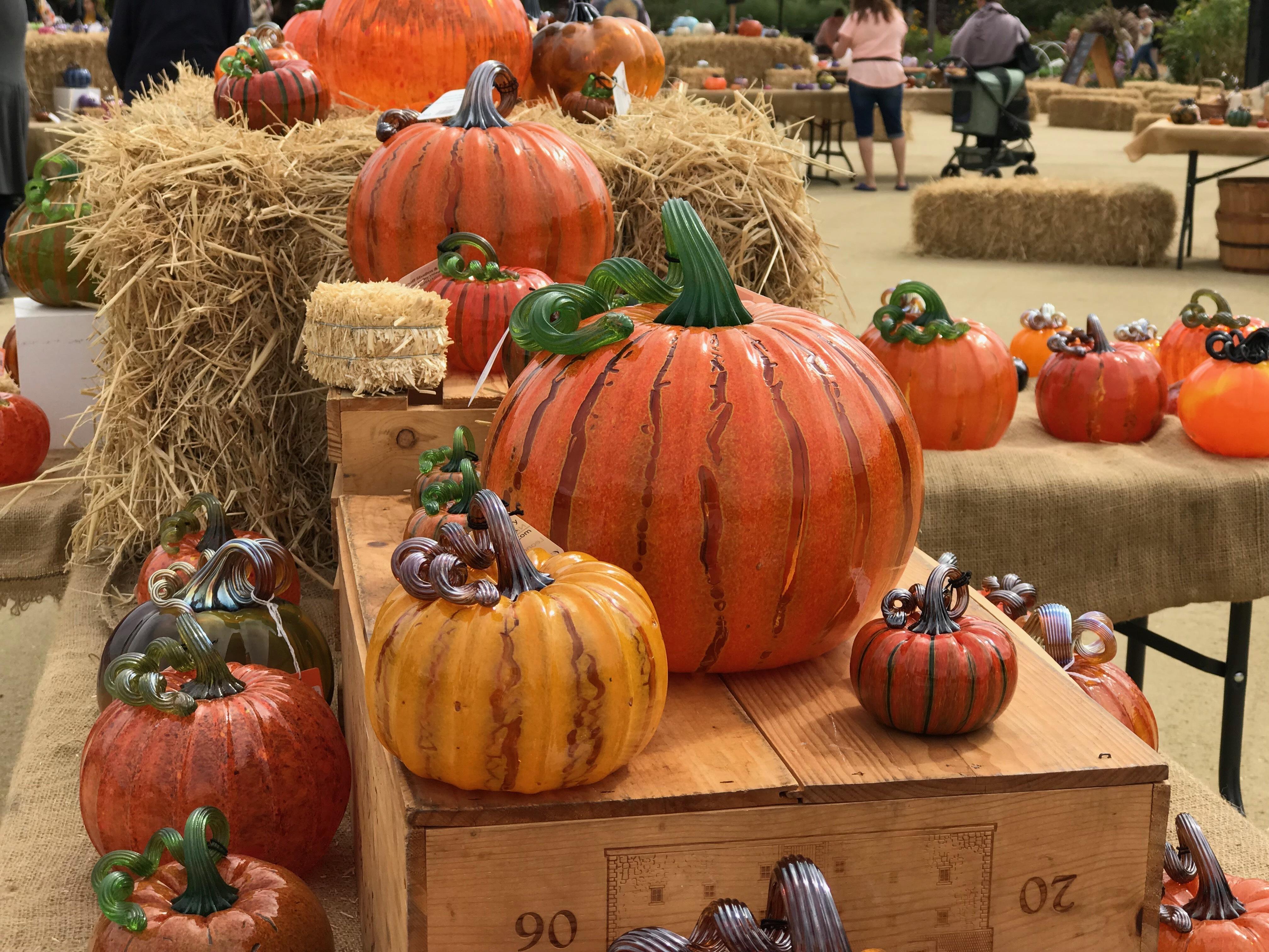 Leonoff Glass Pumpkins3