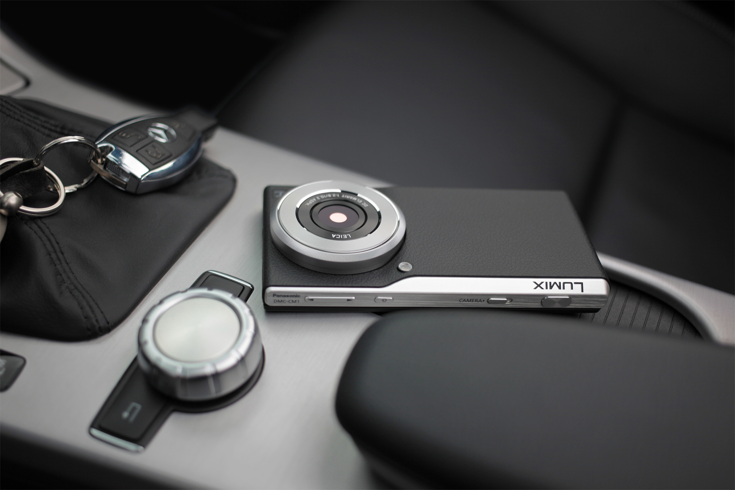Forget the iPhone 6, This Is A Real Camera Phone