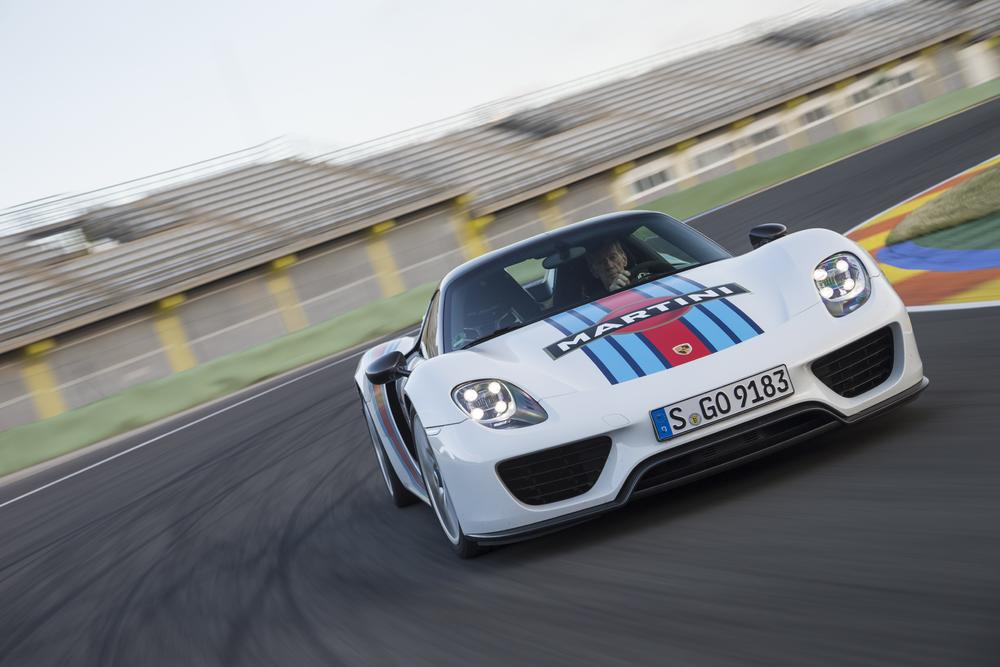 Check Out the Amazing 2015 Porsche Spyder 918