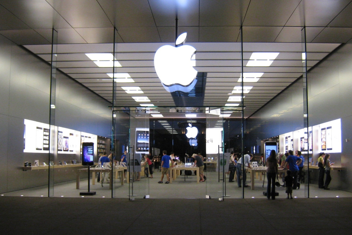 The Apple Rodeo: Silicon Valley & The Wild, Wild West