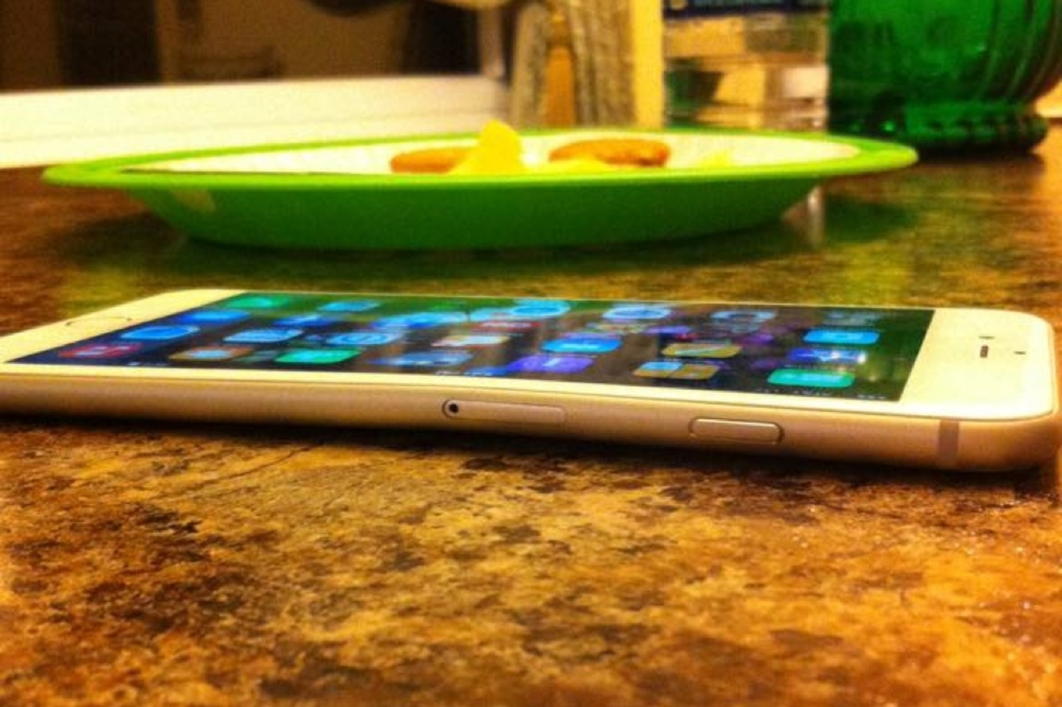 Tech Giants Troll Apple Over #BendGate