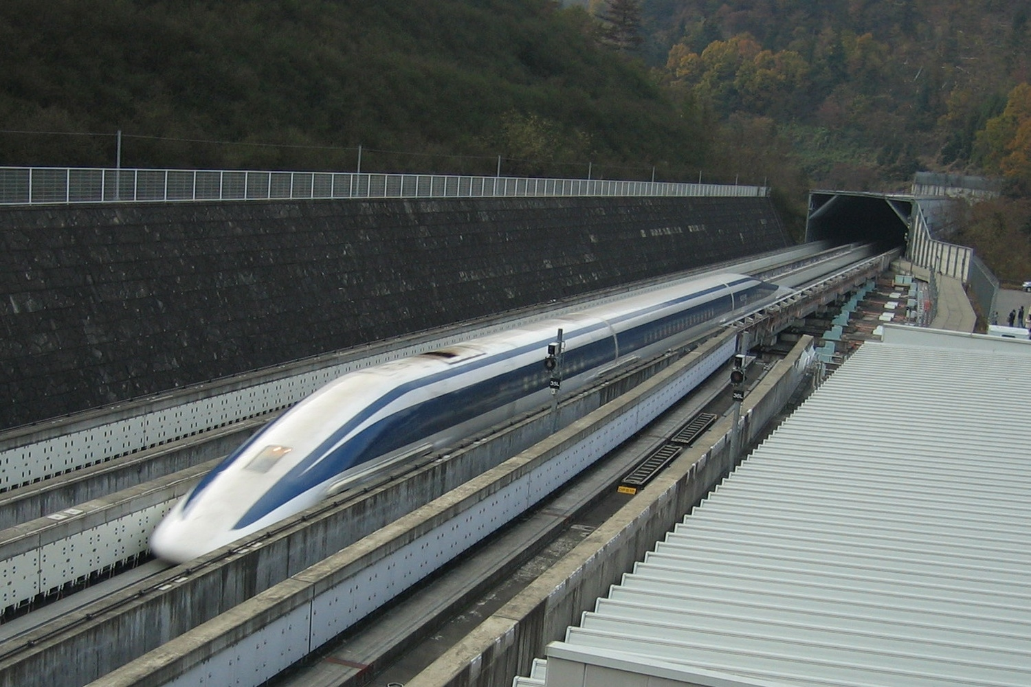 This Magnetic Train Is The Fastest In the World