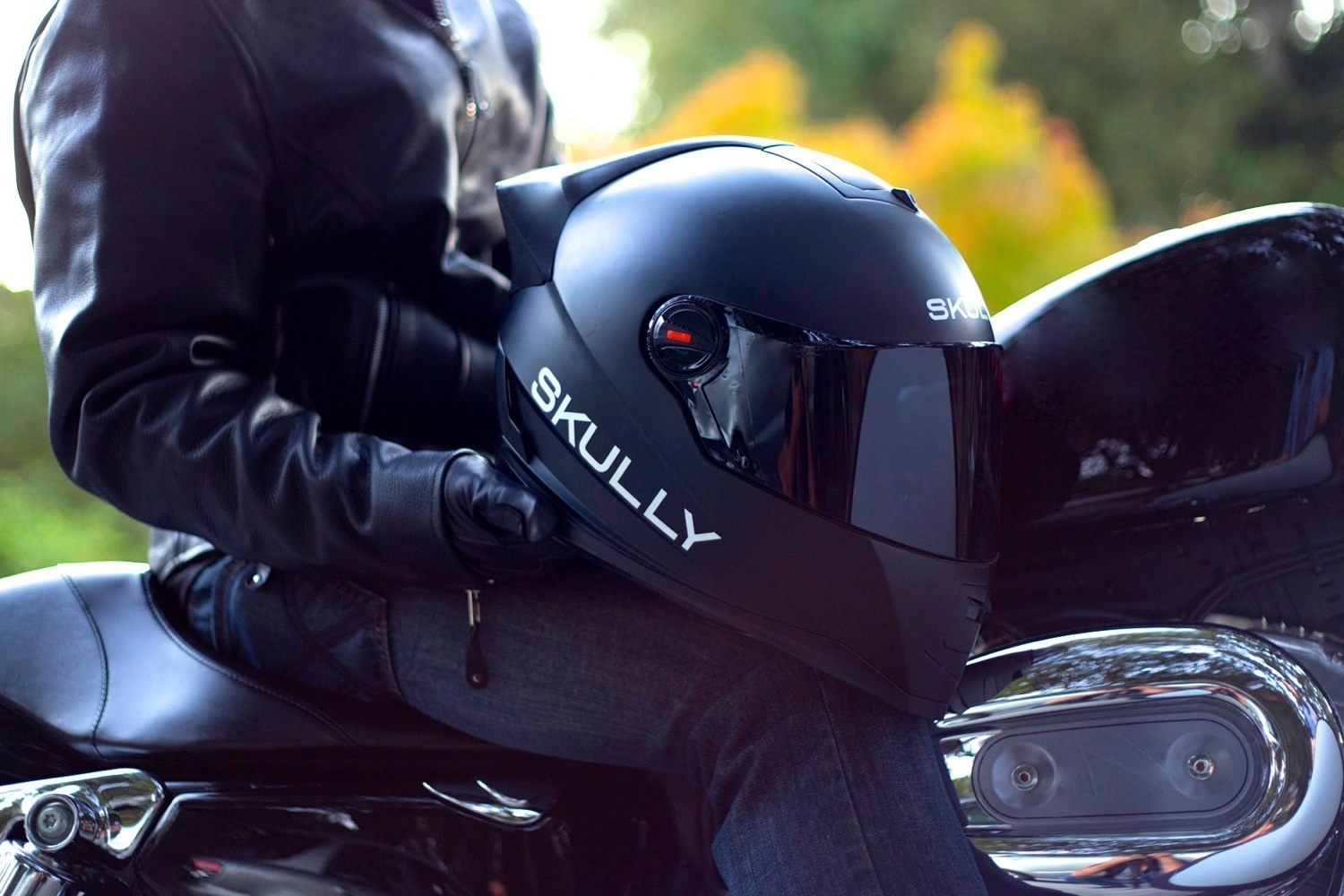 SKULLY Is The Helmet Every Motorcyclist Has Dreamt Of