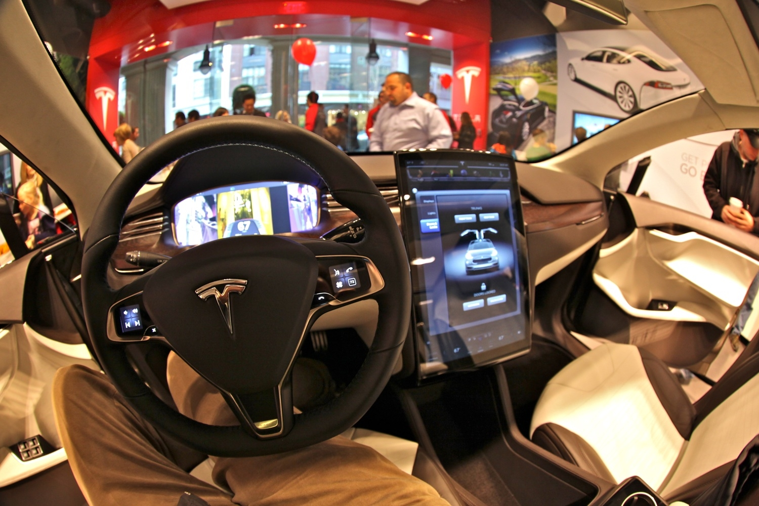 Elon Musk Invites Hackers To Break Into Tesla Cars