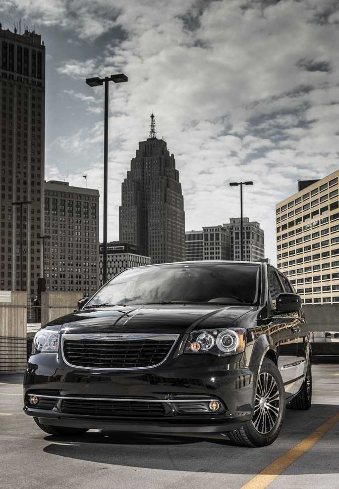Chrysler Town & Country Limited (2014)