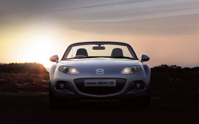 Mazda MX-5 Roadster Coupe 1.8i SE (2014)