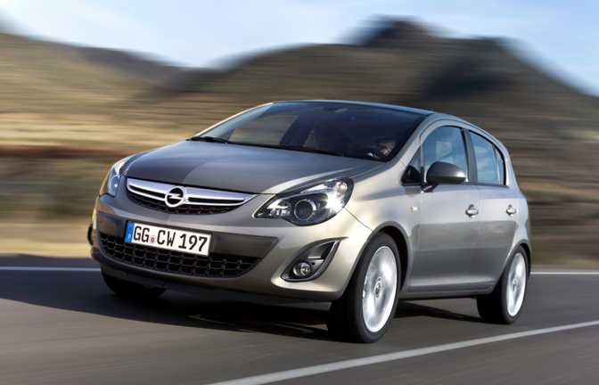 Opel Corsa 5-Door SE (2014)