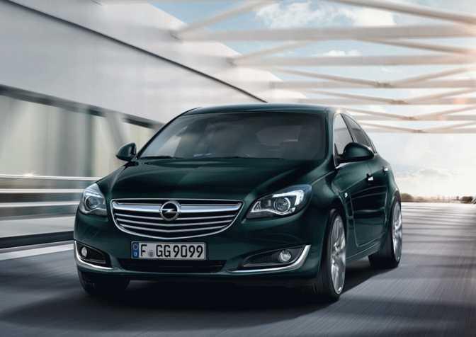 Opel Insignia 4-Door Saloon (2014)