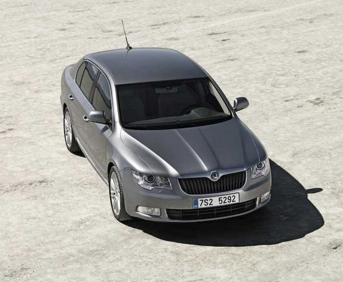 Skoda Superb S Hatch (2014)