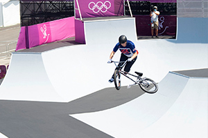 Hannah Roberts mid-tail whip during the Women's BMX Freestyle Finals. Photo: Casey Gibson.