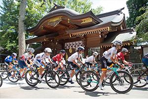 Thomas & Winder with peloton ride through the Okunitama Shrine. Photo: Casey Gibson