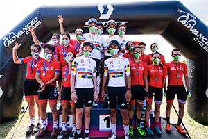 Team Relay podium