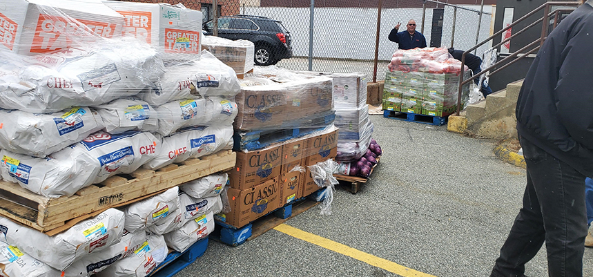 Mohegan Sun, Mitchell College donate food to New London Salvation Army