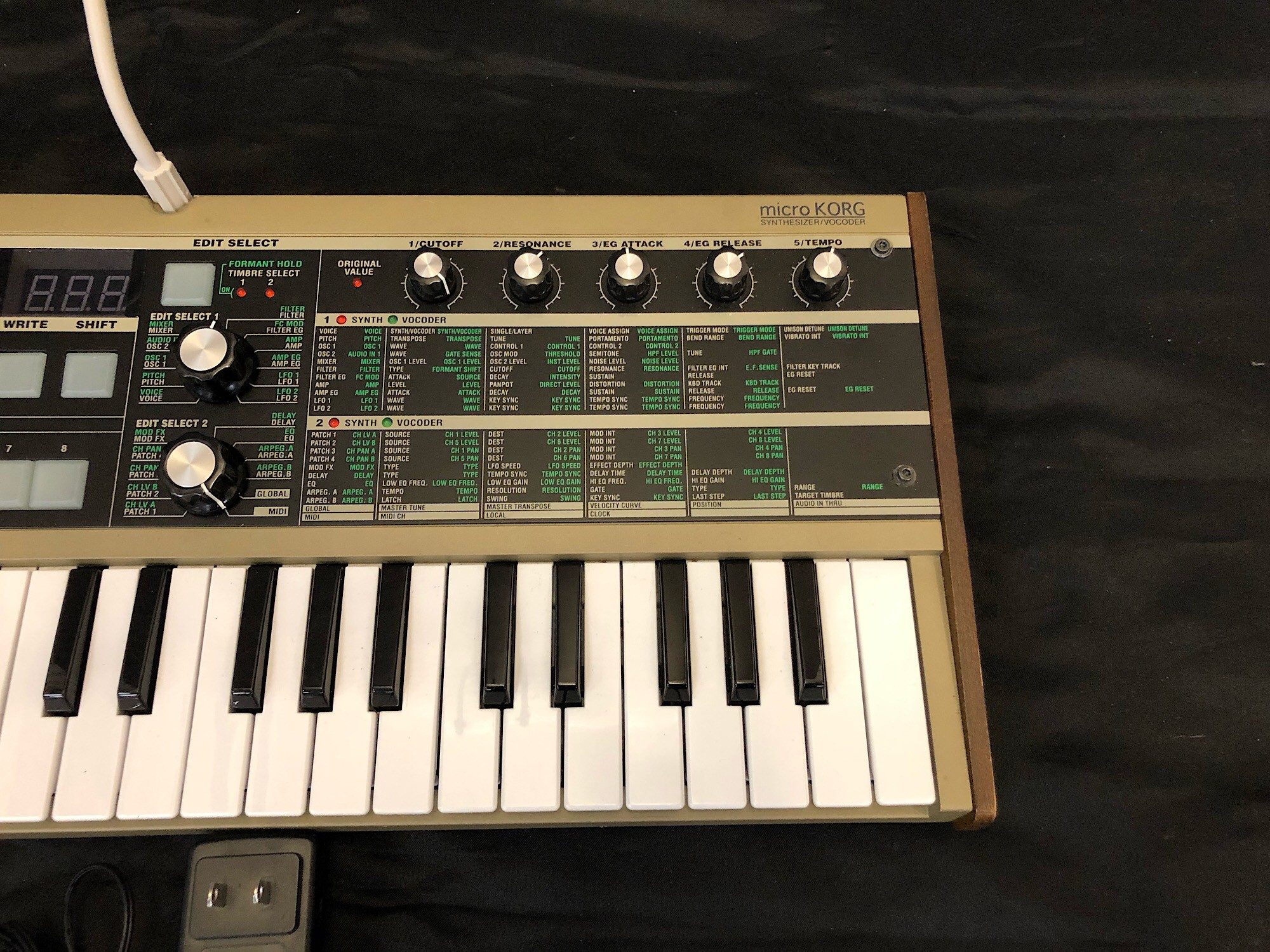 Used Korg MICROKORG - Sam Ash Used Gear