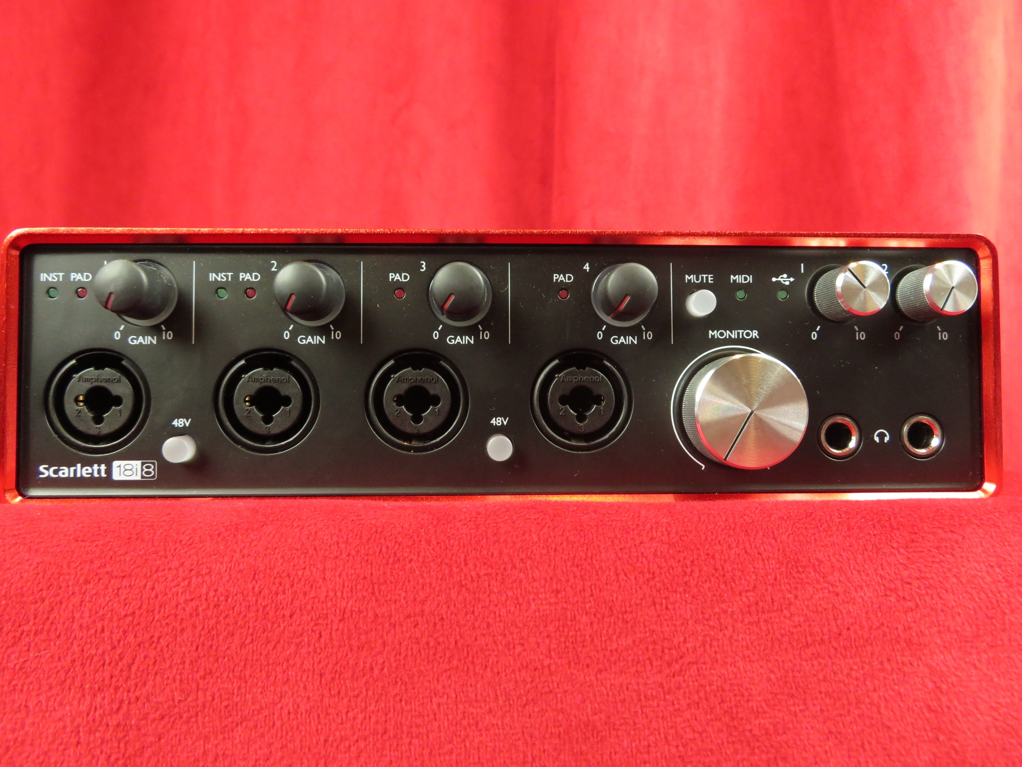used focusrite scarlett 18i8 2nd generation sam ash used gear. Black Bedroom Furniture Sets. Home Design Ideas