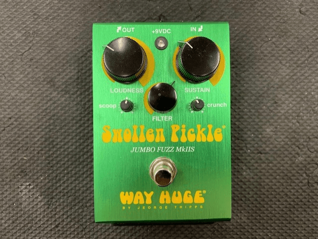 used way huge swollen pickle jumbo fuzz mkiis guitar pedal sam ash used gear. Black Bedroom Furniture Sets. Home Design Ideas