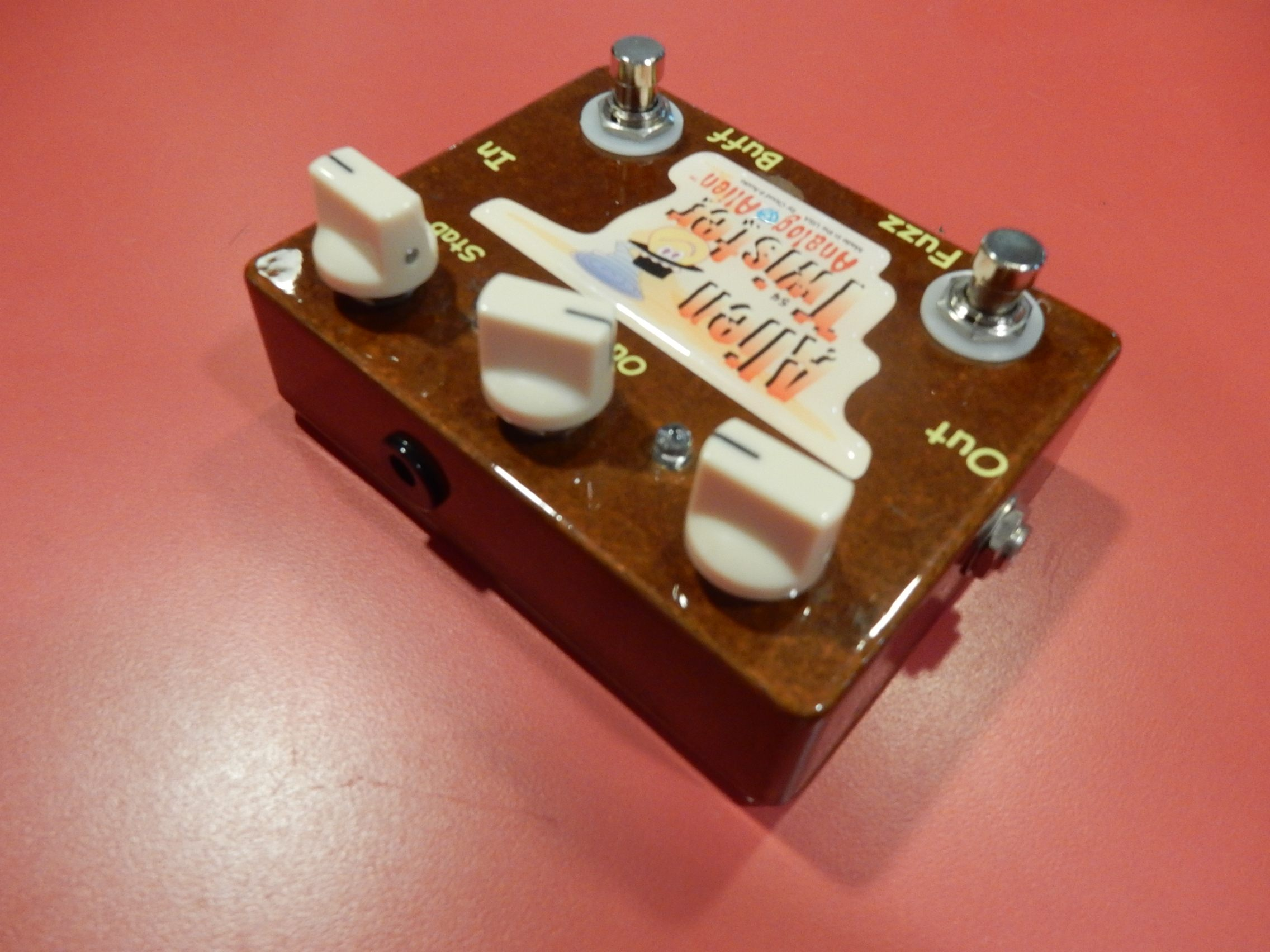 used analog alien alien twister fuzz guitar effect pedal sam ash used gear. Black Bedroom Furniture Sets. Home Design Ideas