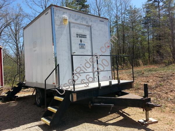 Restroom trailer 7