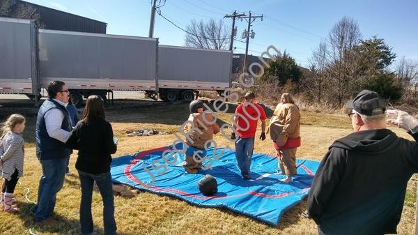 Sumo wrestling boars head picnic %283%29
